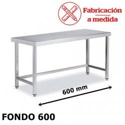 MESA ARRIESTRADA CENTRAL DE ACERO INOX. ( 600X600X850 )